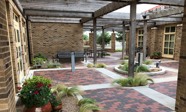 Lubbock, TX Hope Lodge Patio